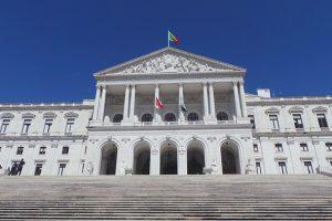 Petição na Assembleia da República: pela igualdade de direitos entre enfermeiros CTFP e CIT