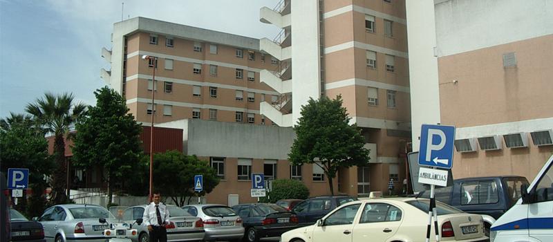 Enfermeira violentamente agredida no estacionamento do Hospital Garcia de Orta