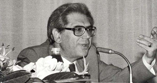 Homenageamos o fundador do Serviço Nacional de Saúde, António Arnaut