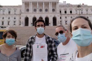 Algarve: entrega de petição na Assembleia da República